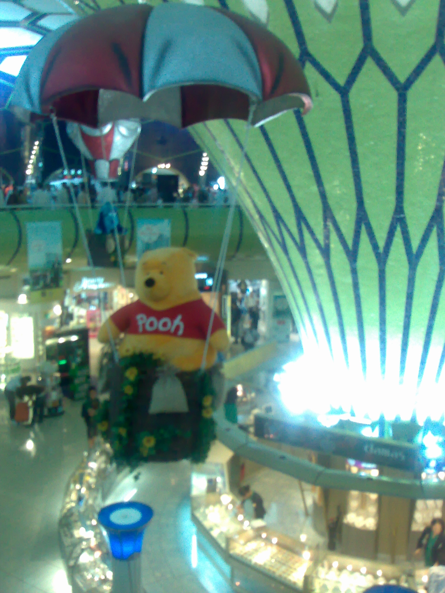 Winnie the Pooh di kubah abu dhabi airport